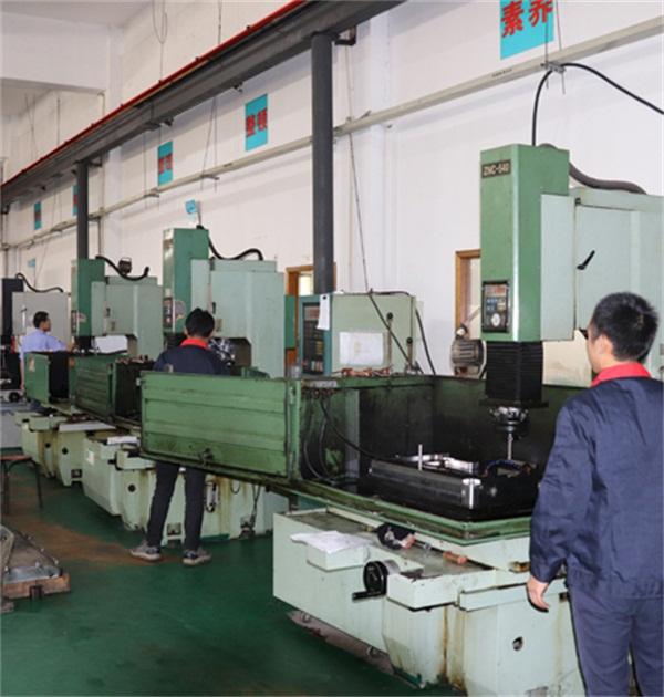 机械制造业